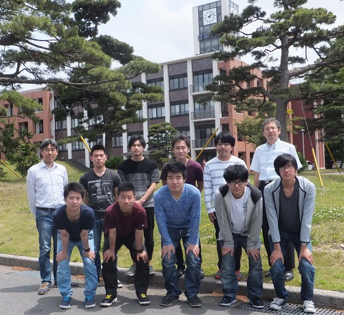 Prof. IWAI of Graduate School of Engineering (upper right), Assoc. Prof. NISHIYAMA (upper left) and the students of the laboratory attending the contest