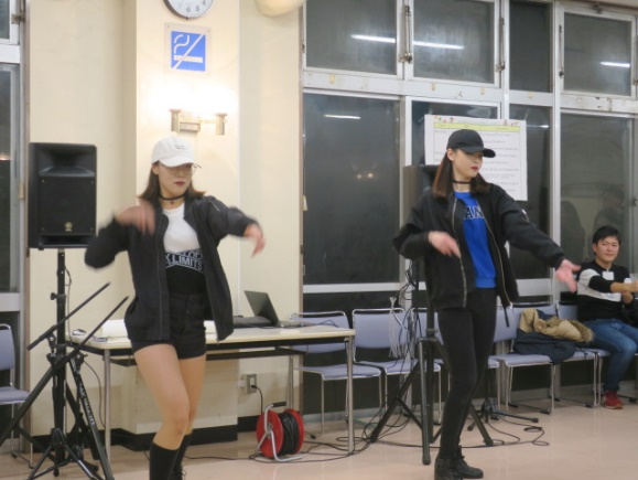 K-pop dance performed by Korean students